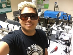 Martínez-Tong in the laser-lab at IQFR
